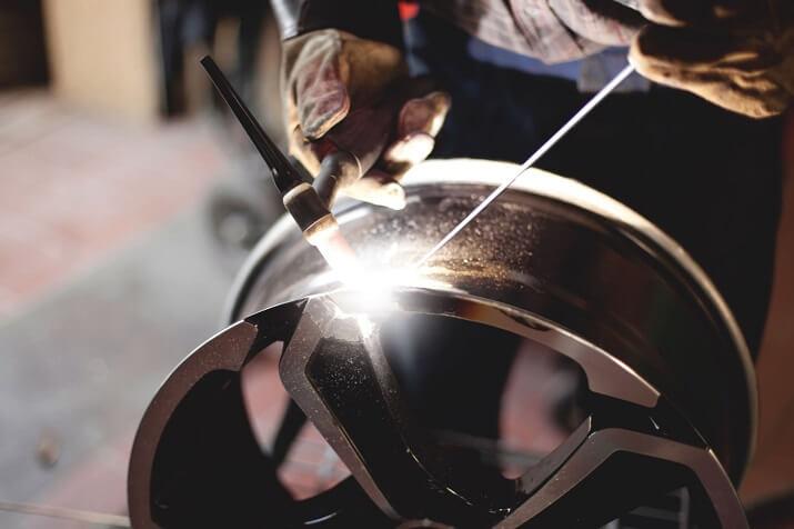 Сварка колесных дисков аргоном – насколько это надежно