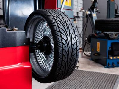 Как делают балансировку колес